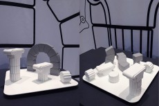 壁面グラフィックは、次回新作予告の『Greek』。テコデザイン代表の柴田さんとのコラボレーション。 会場では1/10スケールモデルの展示ですが、次回発表に向けて打合せを開始します。