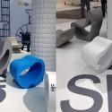 昨年発表したLoopsのスツールと新作チェアー。ユラユラと心地よい座り心地が新しい椅子の定義を予感させます。